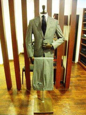 トレンドスーツ