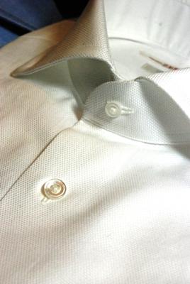 ドレスシャツ シェルボタン