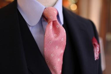 ネイビースーツ ブルーシャツ ピンクネクタイ