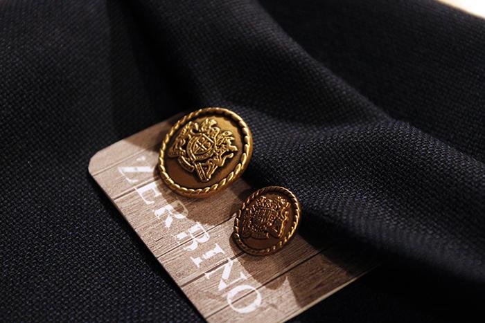 metal button gold