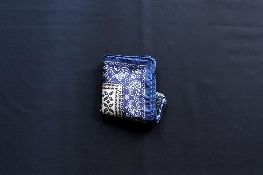 ポケットチーフ チーフ 挿し方 入れ方 たたみ方 基本 フォーマル 種類 画像 シーン スクエア TVフォールド 簡単