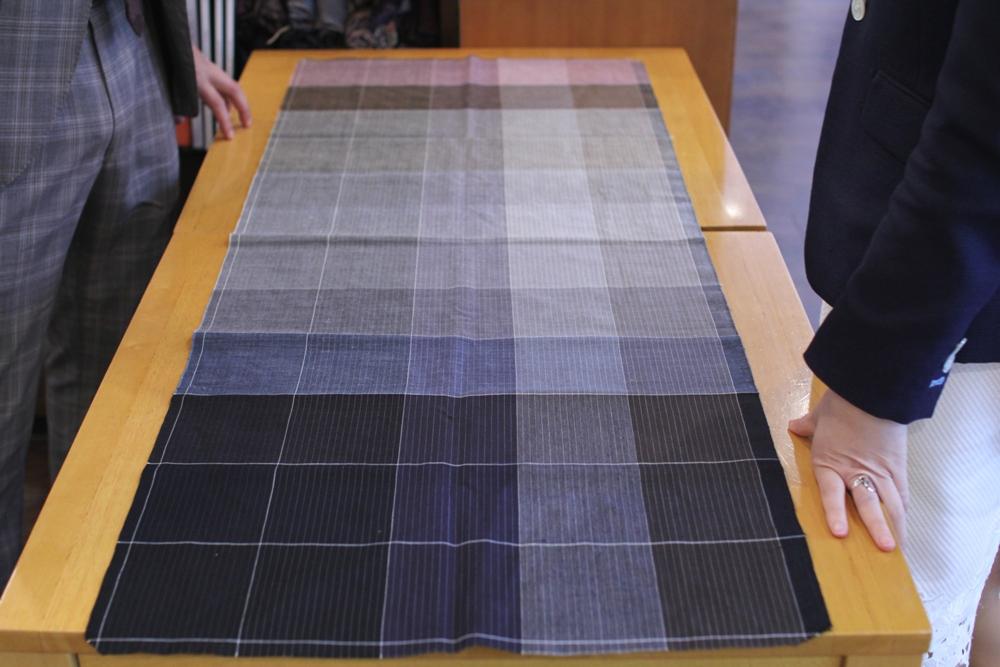 マス見本 アパレル 業界 オーダー 色 見本 サンプル スーツ 生地 色合い 織り物 織物 糸 違い