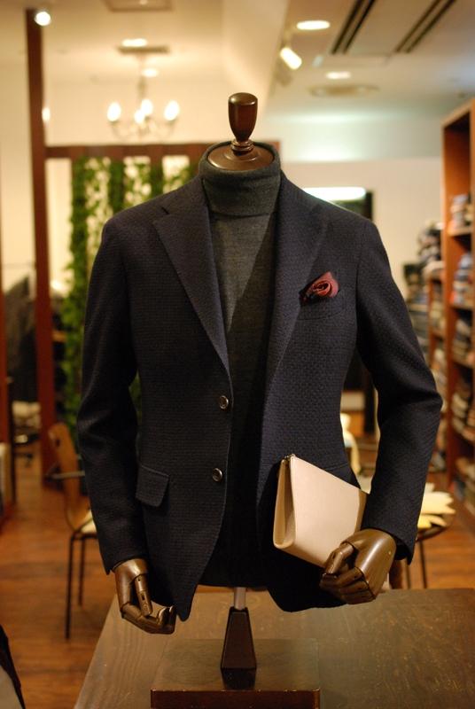 グレー タートルネック セーター おしゃれ ZERBINO ジャケット 紺 素材感