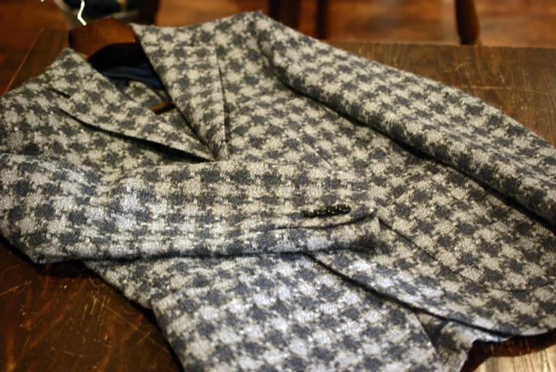 ZERBINO ゼルビーノ オーダースーツ オーダーシャツ オーダーコート オーダーシューズ オーダーベスト ネクタ ,カイノック オーダージャケット 千鳥格子 存在感 英国生地 クリアランス セール 最終 チャンス ジャケット カッコいい