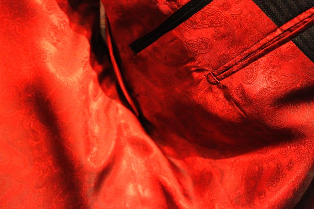 スリーピース,クラシック,チャコールグレー,英国,イギリス,ブルーフェイス,ジェームズボンド,007,オーダースーツ,虎ノ門,銀座,新宿,オーダーシャツ,英国羊毛,ラペル巾,衿巾