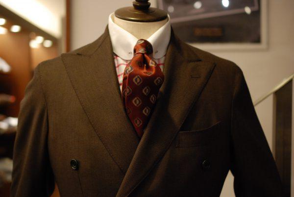 ポケットチーフ スーツ