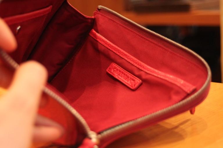 クラッチバッグ 内ポケット