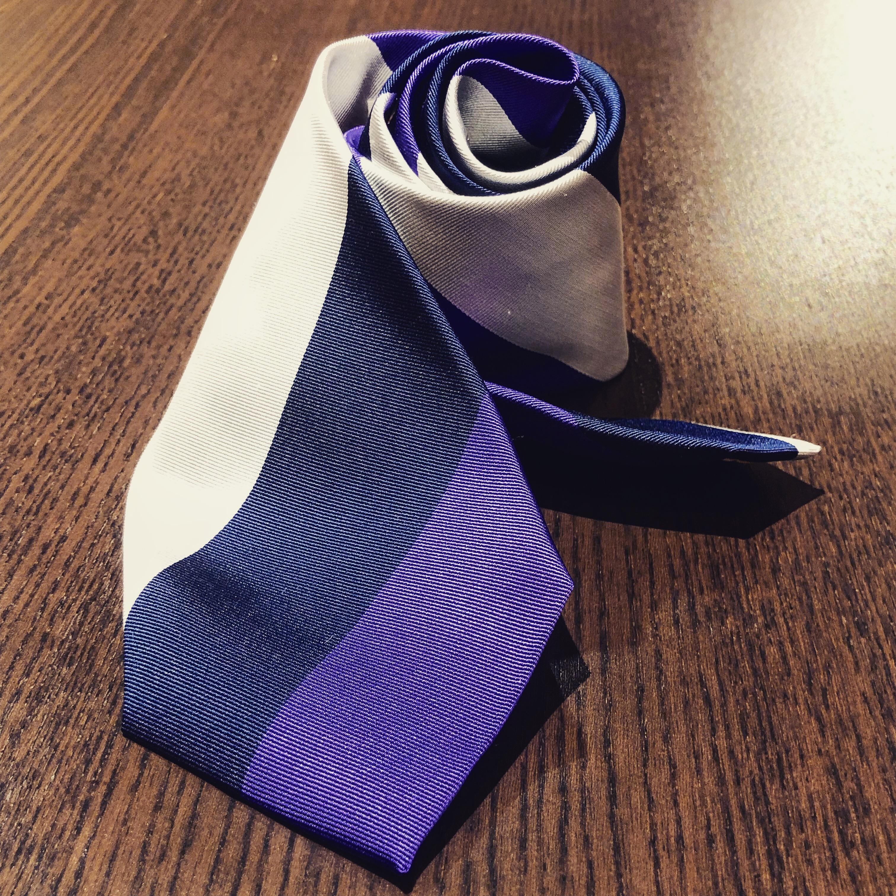 紫レジメントタイ
