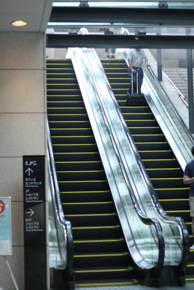 京橋駅3番エスカレーター