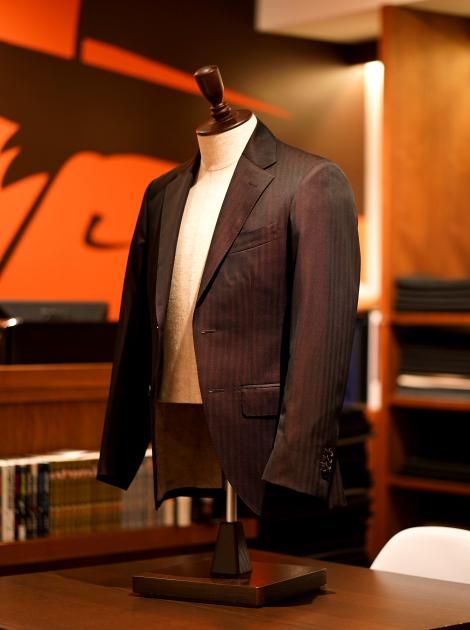 LANVIN Super130's ワインレッドソラーロ オーダースーツZERBINO銀座店